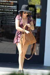 Sarah Hyland Spring Outfit Ideas - Out in LA 6/16/2016