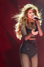 Selena Gomez - Performs During Her