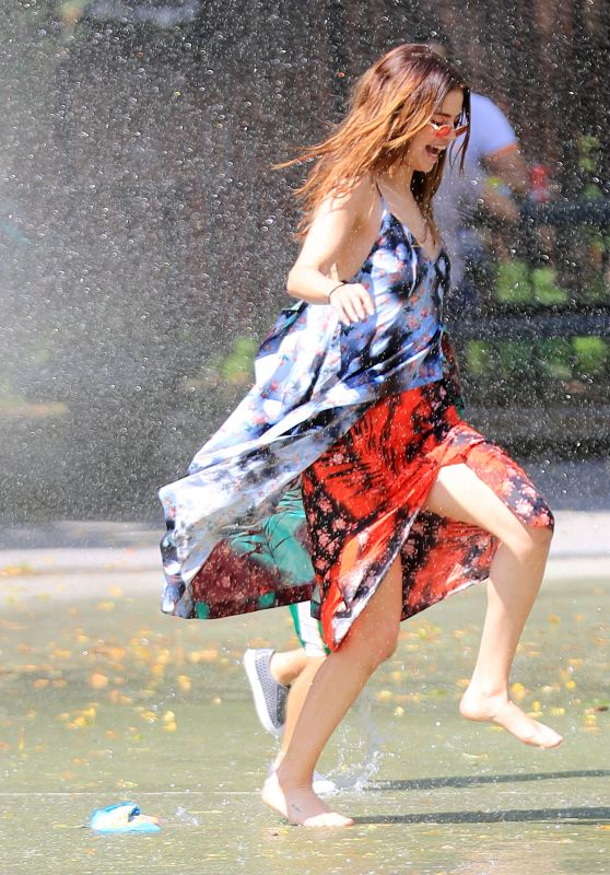 Selena Gomez Playing in the Sprinklers at a Water Playground in New York City 6/1/2016