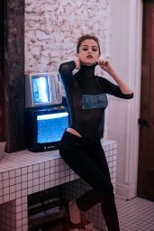 Selena Gomez Social Media Pics, June 2016