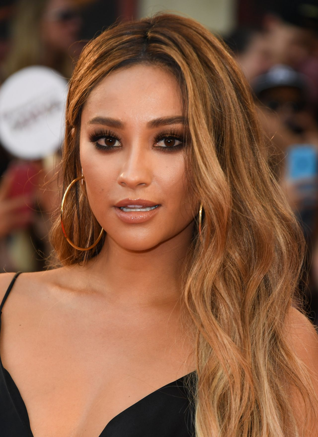 Shay Mitchell 2016 Muchmusic Video Awards In Toronto