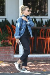 Sofia Richie Casual Style - at Mauro