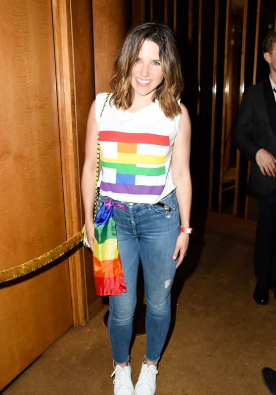 Sophia Bush - Grindr Presents Slumbr With Artists Dreamscapes in NYC, June 2016