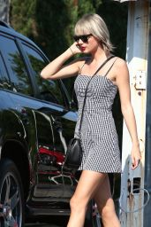 Taylor Swift Cute Outfit - Out in Nashville 6/23/2016
