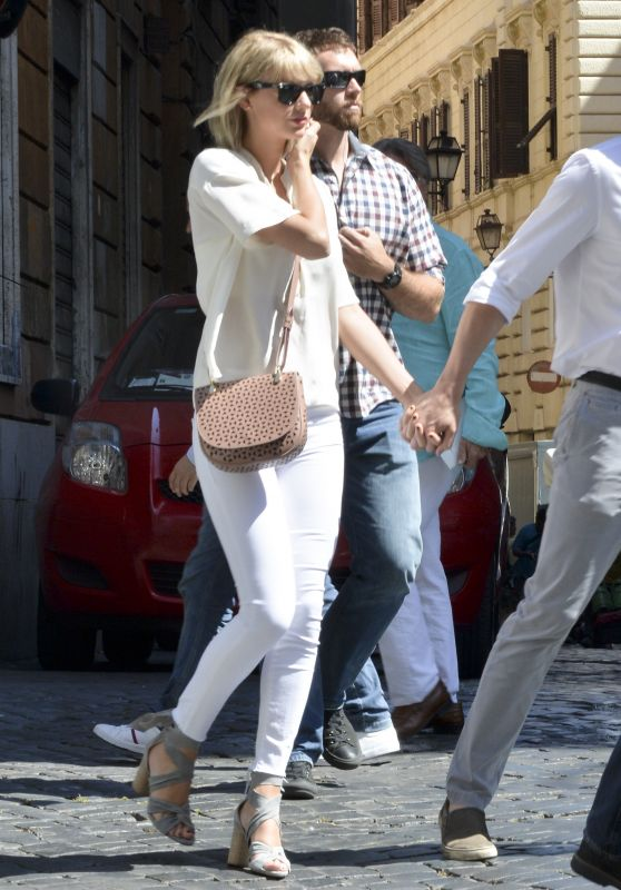 Taylor Swift Street Style - Out in Rome, Italy 6/28/2016