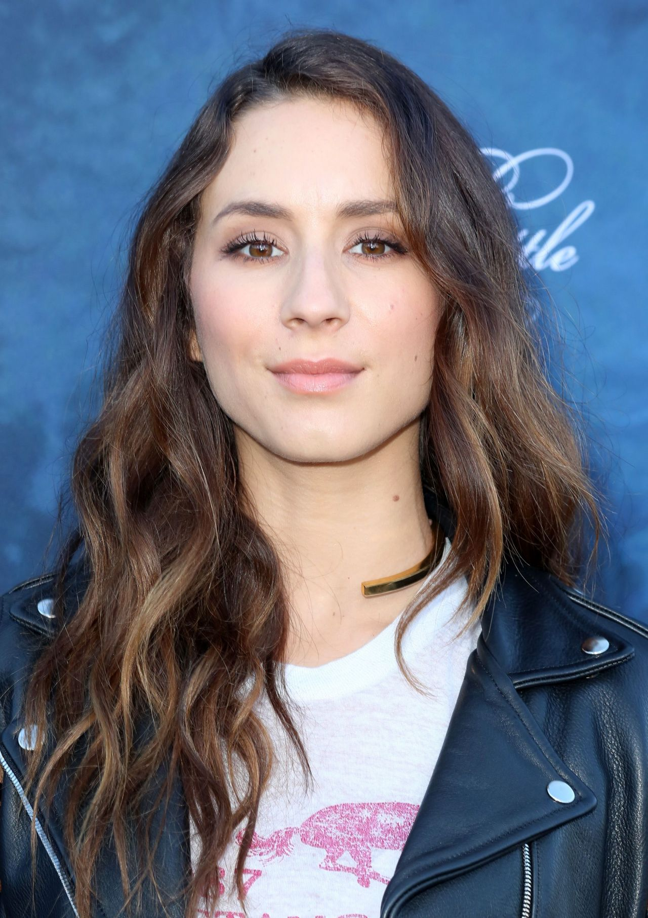 Troian Bellisario Dead Of Summer Amp Pretty Little Liars