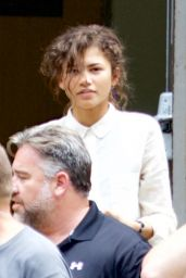 Zendaya - On the set of