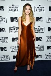 Alycia Debnam-Carey – MTV Fandom Awards in San Diego 7/21/2016