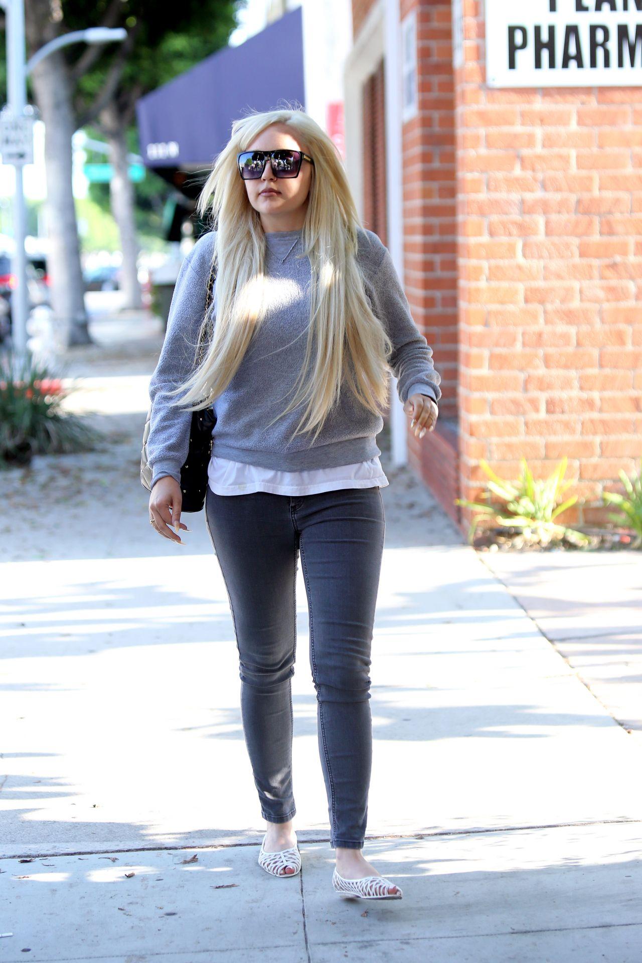 Amanda Bynes     Leaving Glam Hair Salon in West Hollywood 7 28 2016