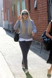 Amanda Bynes - Leaving Glam Hair Salon in West Hollywood 7/28/2016