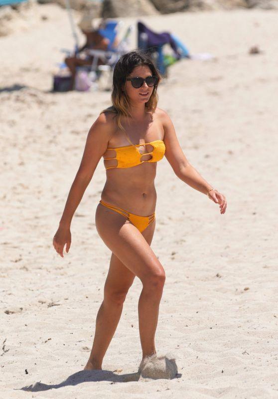 Anastasia Ashley Hot in Bikini - Beach in Miami, July 2016