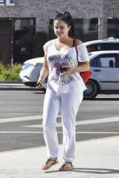 Ariel Winter Street Style - Out in West Hollywood 7/18/2016