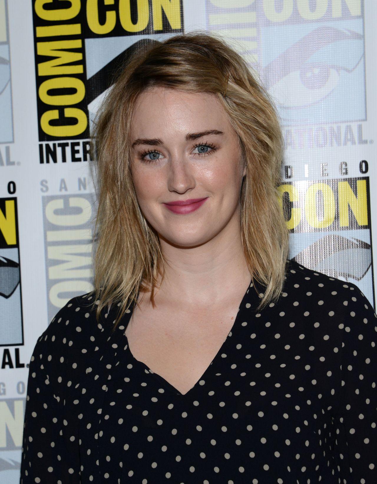 Ashley Johnson – 'Blindspot' Press Line at Comic-Con 2016 ...