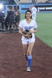 Aubrey Plaza - Throwing Out the First Pitch at the LA Dodgers Baseball Game 7/1/2016