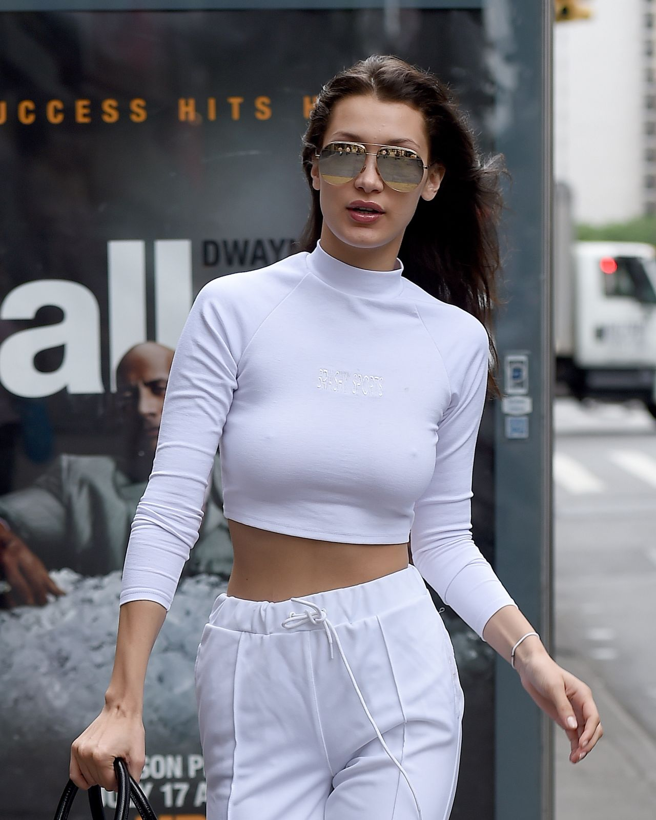 Bella Hadid Casual Outfit - Nyc 712016-6433