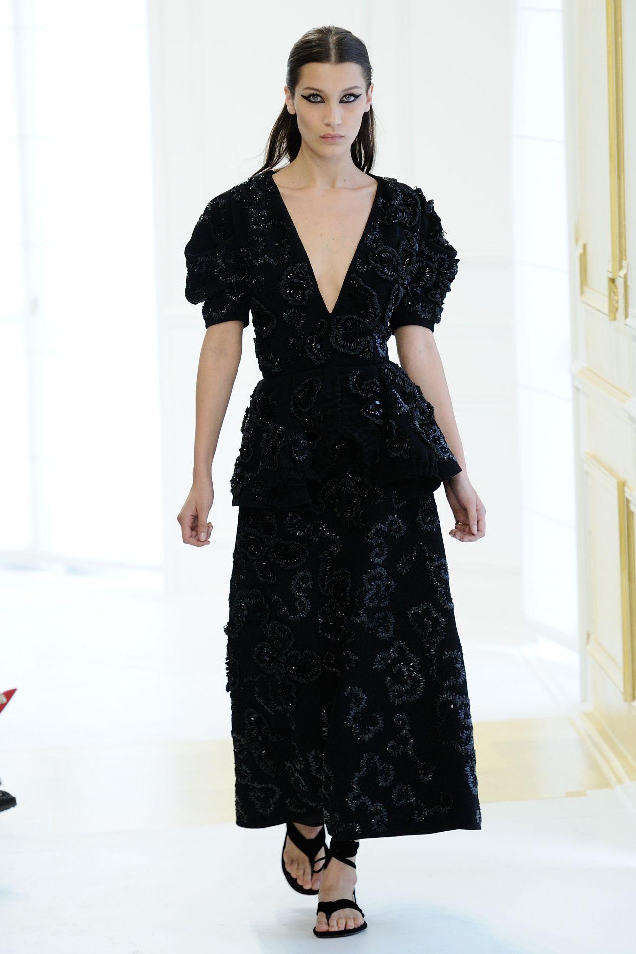 Bella hadid christian dior haute couture fall winter for Haute couture winter