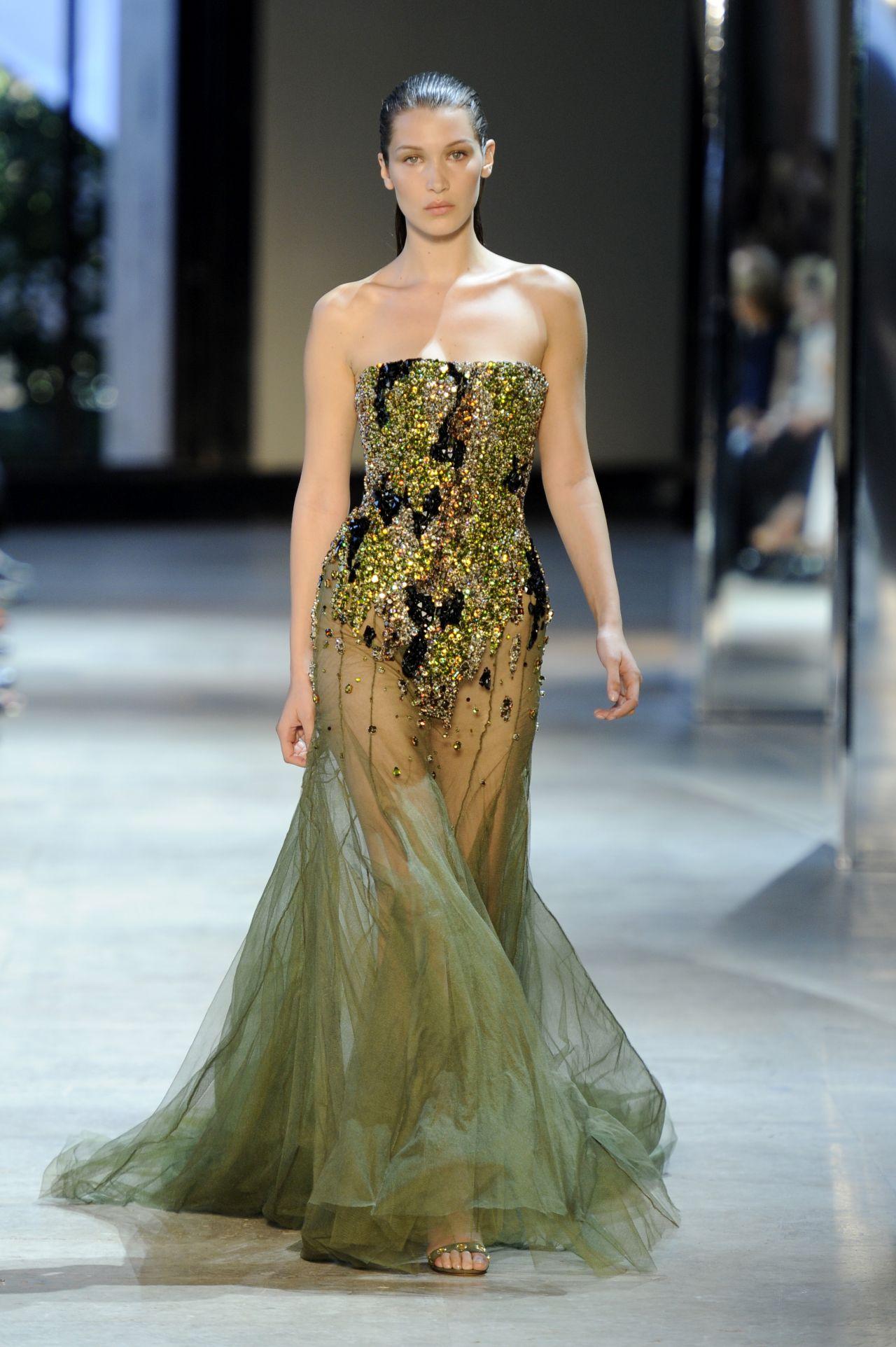 Bella Hadid Walking For Alexandre Vauthier Paris Fashion