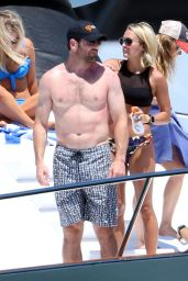 Carrie Underwood Bikini Candids - Cabo San Lucas, Mexico 7/7/2016