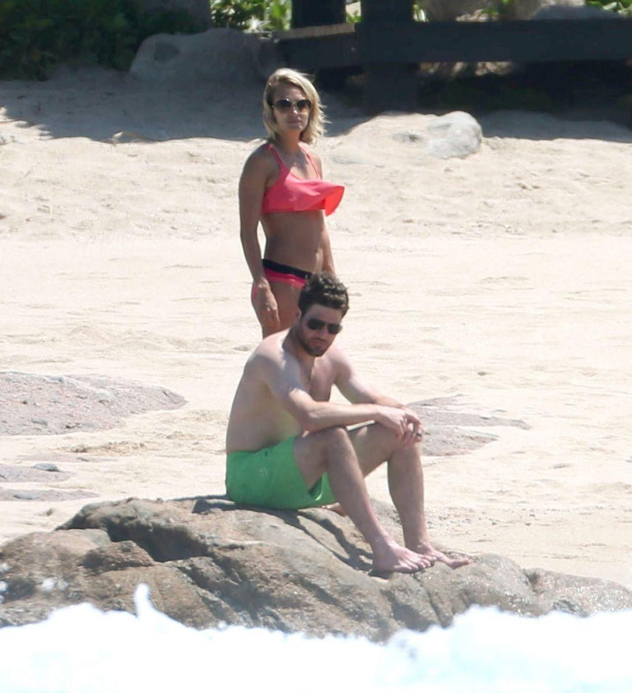 Carrie Underwood In Bikini Cabo San Lucas 07 06 2016
