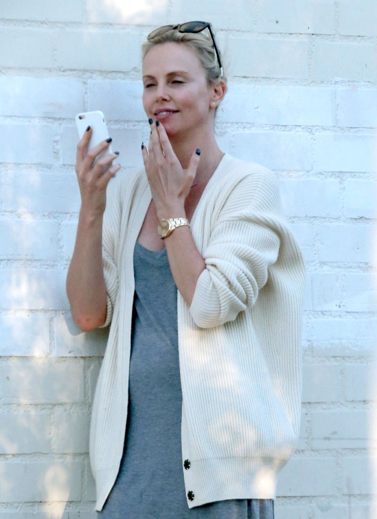 Charlize Theron Street Style – Out in Los Angeles 07/05/2016