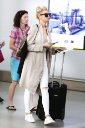 Charlotte McKinney Travel Outfit - Pearson International Airport in Toronto 7/11/2016