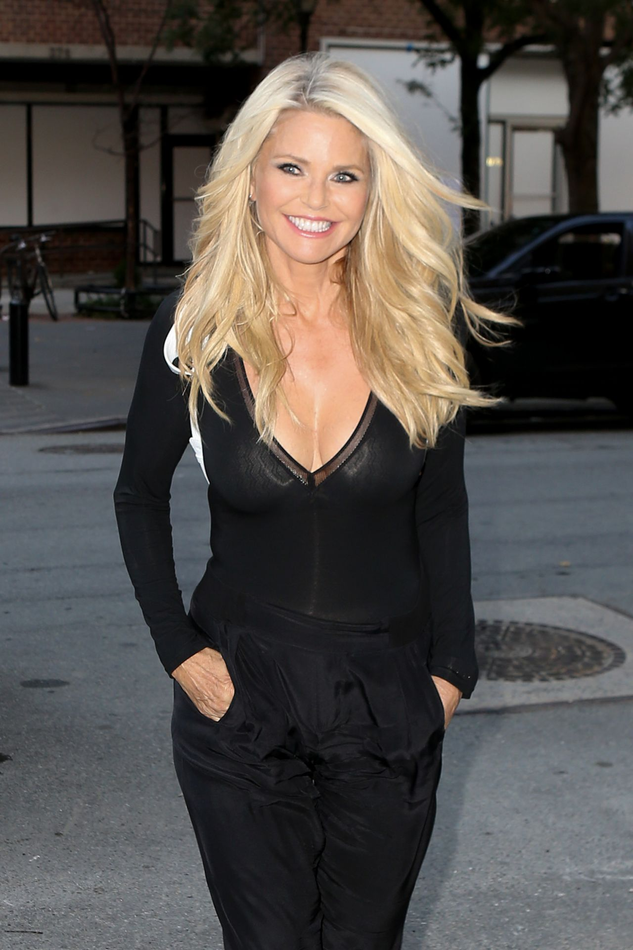 christie brinkley height