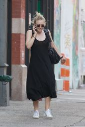 Dakota Fanning Street Style - SoHo in New York City, 07/19/2016