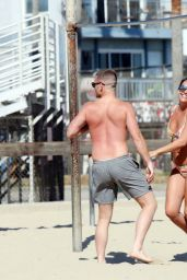 Danielle Lloyd in a BIkini - Exercising With Her Fiance Near Venice Beach, June 2016