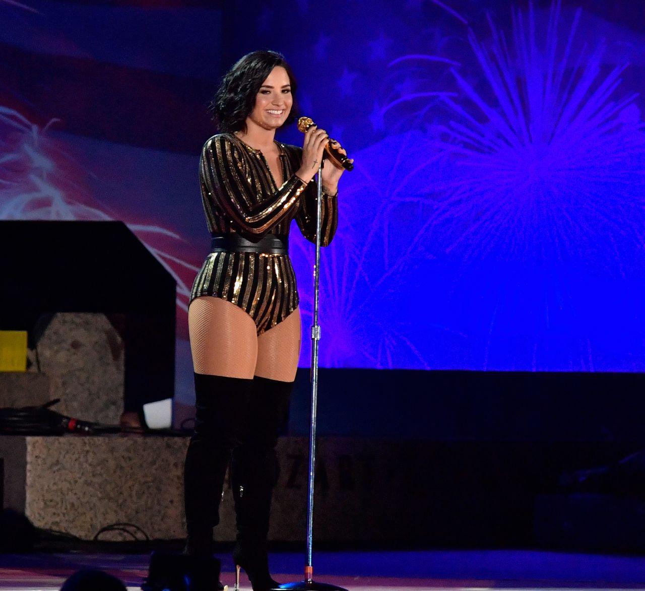 Demi Lovato Boston Pops Fireworks Spectacular Rehearsal In Boston