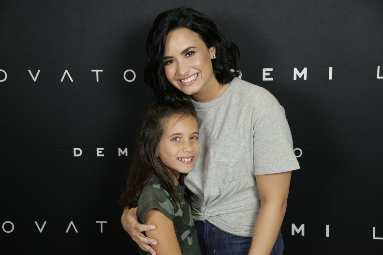 demi lovato meet and greet 2016 camaro
