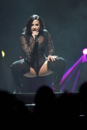 Demi Lovato - Performing at KFC YUM! Center in Louisville 7/29/2016