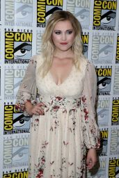 Eliza Taylor - 'The 100' Press Line at Comic-Con International in San Diego 7/22/2016