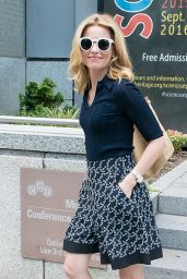 Elizabeth Banks - Leaving Chemical Heritage Foundation Museum in Philadelphia, PA 7/27/2016