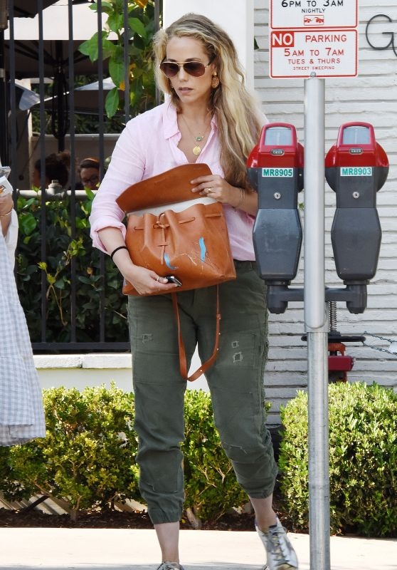Elizabeth Berkley at Benjamin Salon in West Hollywood 7/29/2016