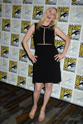 Elizabeth Mitchell - Press Line at Comic-Con in San Diego 07/22/2016