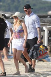 Ellie Goulding in a Swimsuit at a Beach in Miami 7/21/2016