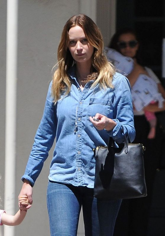 Emily Blunt Look All Jeans - Beverly Hills, 07/19/2016