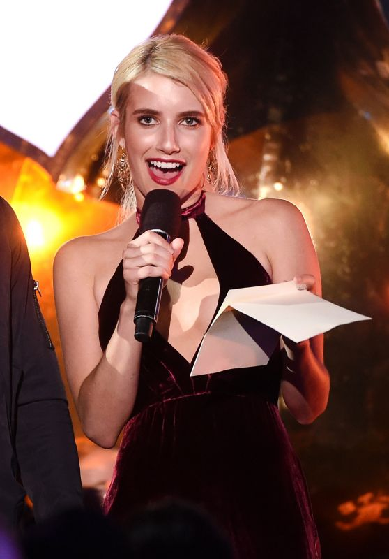 Emma Roberts - MTV Fandom Awards in San Diego 7/21/2016