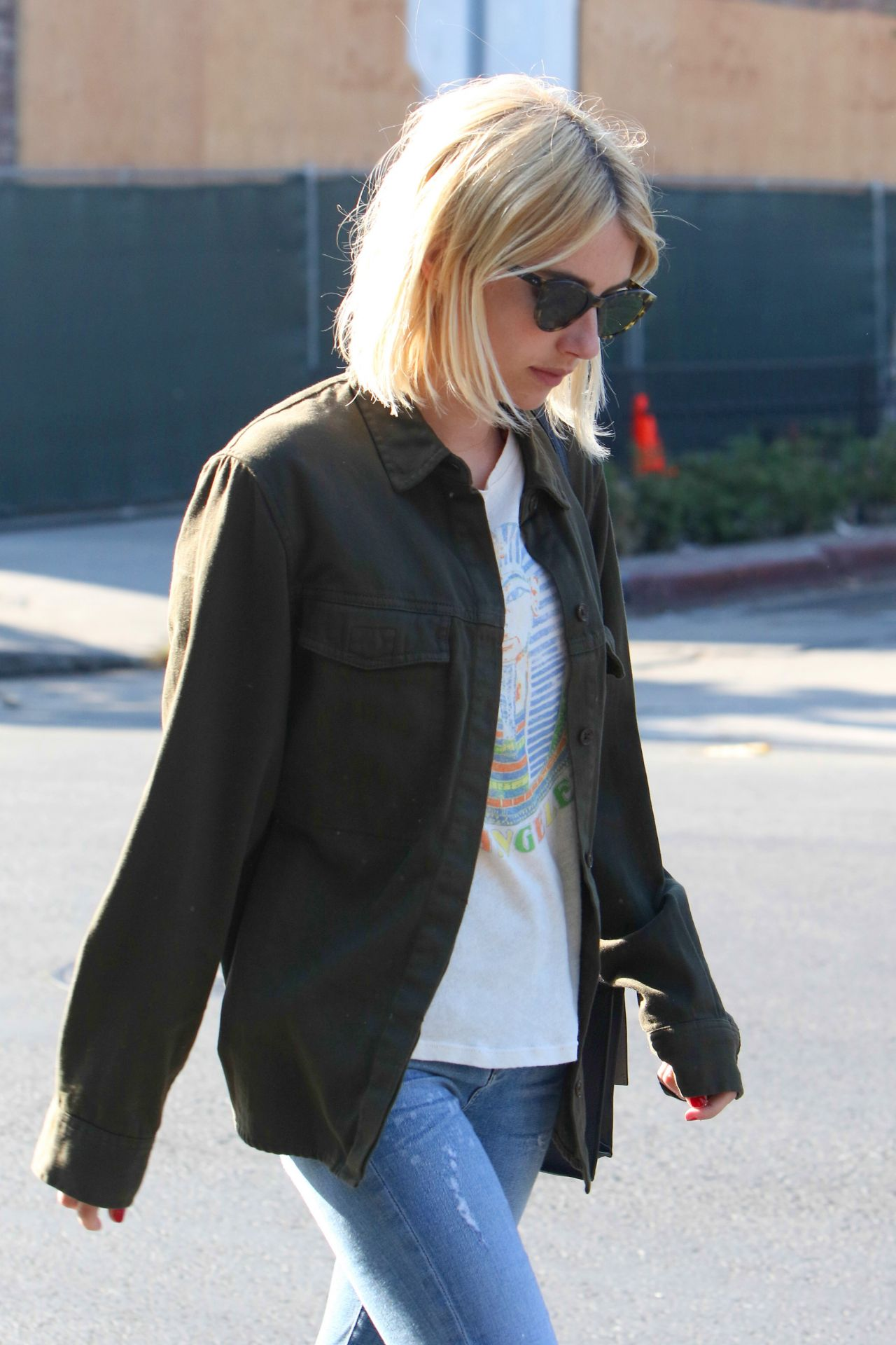 Emma roberts urban outfit leaving 901 salon west for 901 salon west hollywood