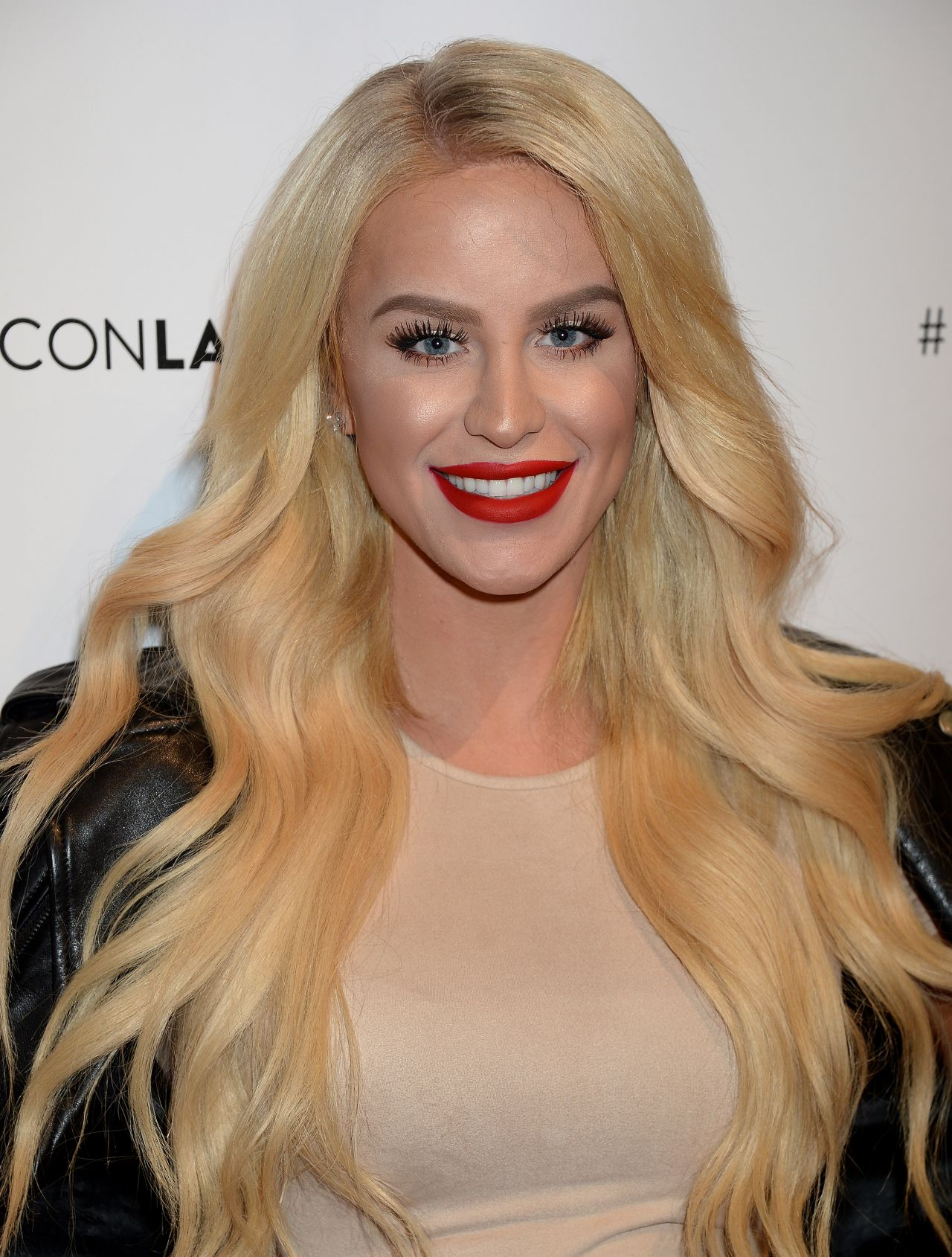 Gigi Gorgeous Beautycon Festival In Los Angeles July 9 2016