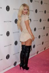 Gigi Gorgeous – Beautycon Festival in Los Angeles, July 9 2016