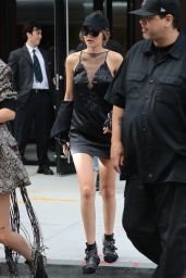 Gigi Hadid and Kendall Jenner - Leaving Gigi