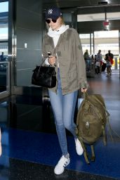 Gigi Hadid at JFK Airport in NYC, 07/20/2016