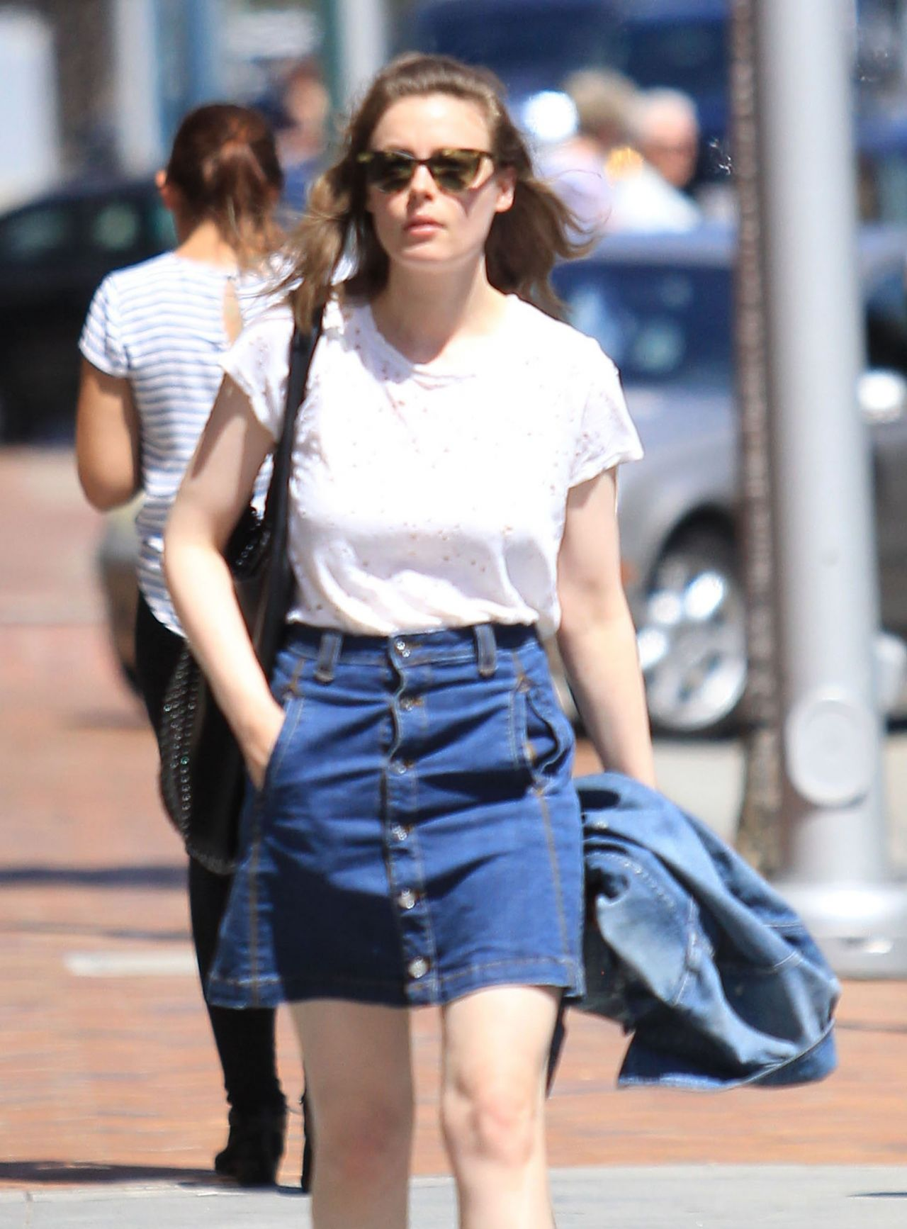 Gillian Jacobs Shopping In Beverly Hills Ca 7 27 2016