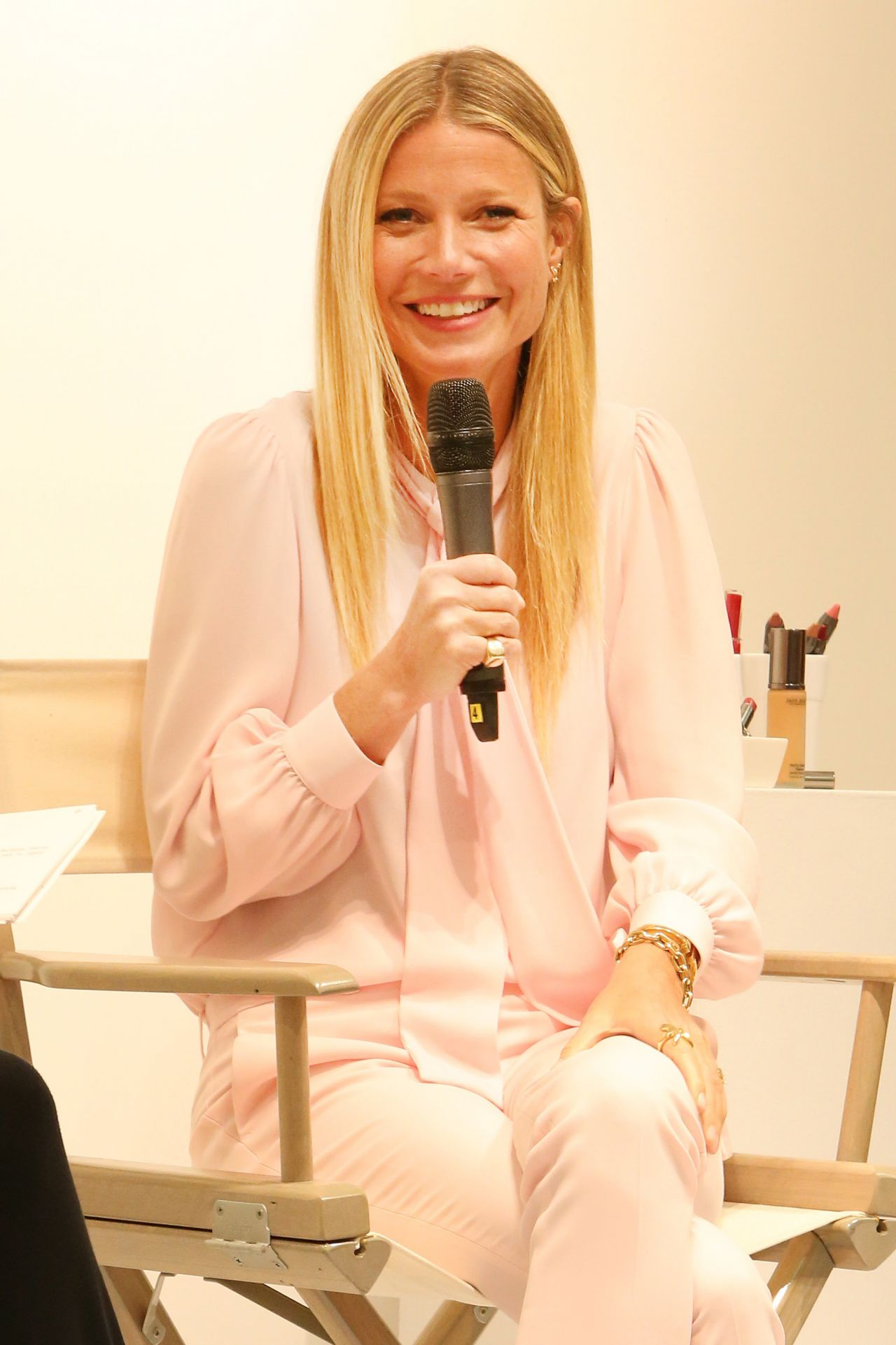 Gwyneth Paltrow - Promotes the Makeup Line Juice Beauty at