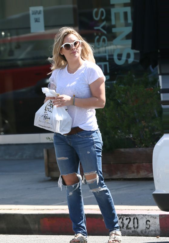 Hilary Duff in Ripped Jeans - Picking Up Take Out from Le Pain Quotidien in Los Angeles 7/26/2016
