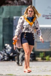 Hilary Duff Outfit Ideas - On the Set of