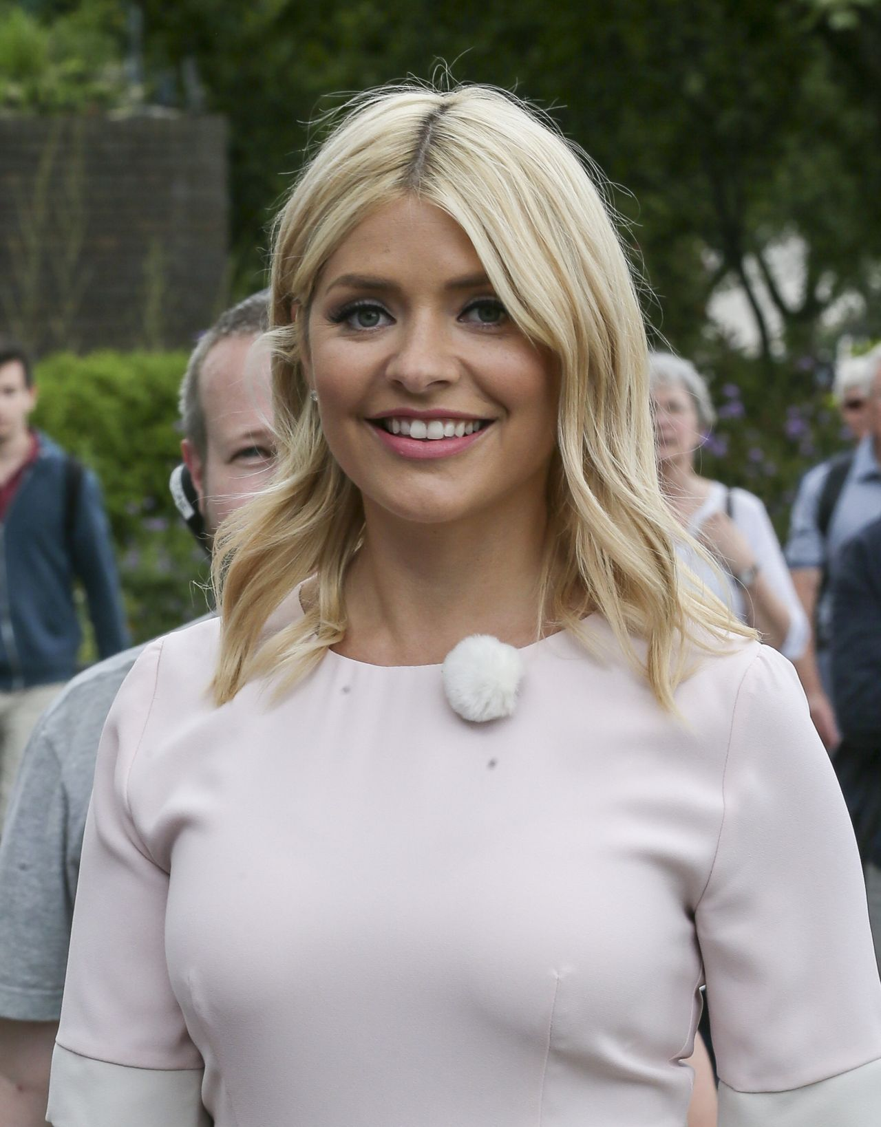 holly willoughby latest photos page 7 of 8 celebmafia