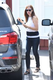 Jennifer Garner at Country Mart in Brentwood 7/12/2016