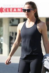 Jennifer Garner in Black Leggings - Out in Beverly Hills, 7/9/2016